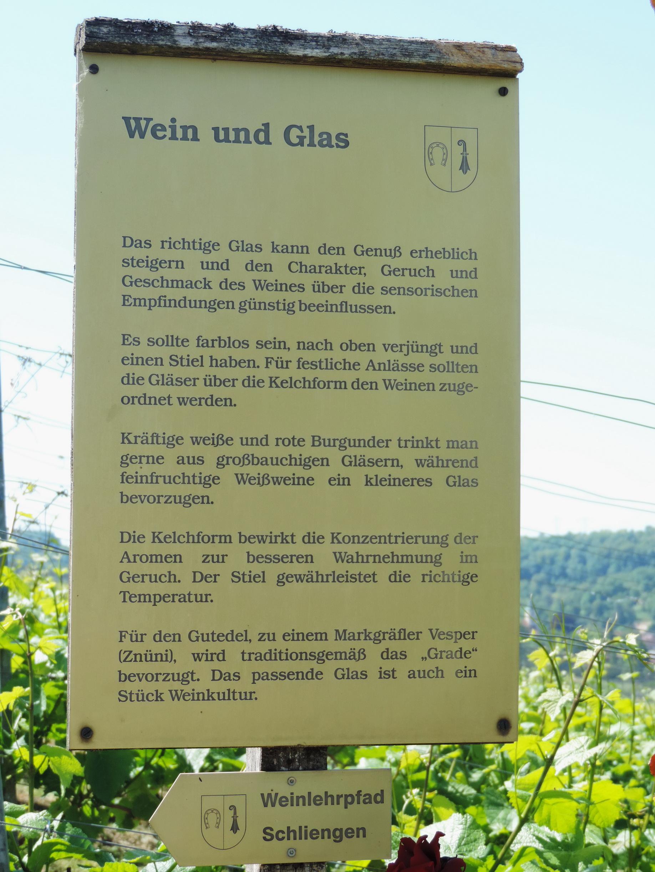 170527064_BSch_Wein und Glas