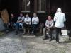 180408022_B_am Weiher Wandergruppe